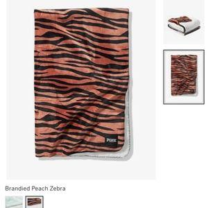VS PINK Large Sherpa Blanket